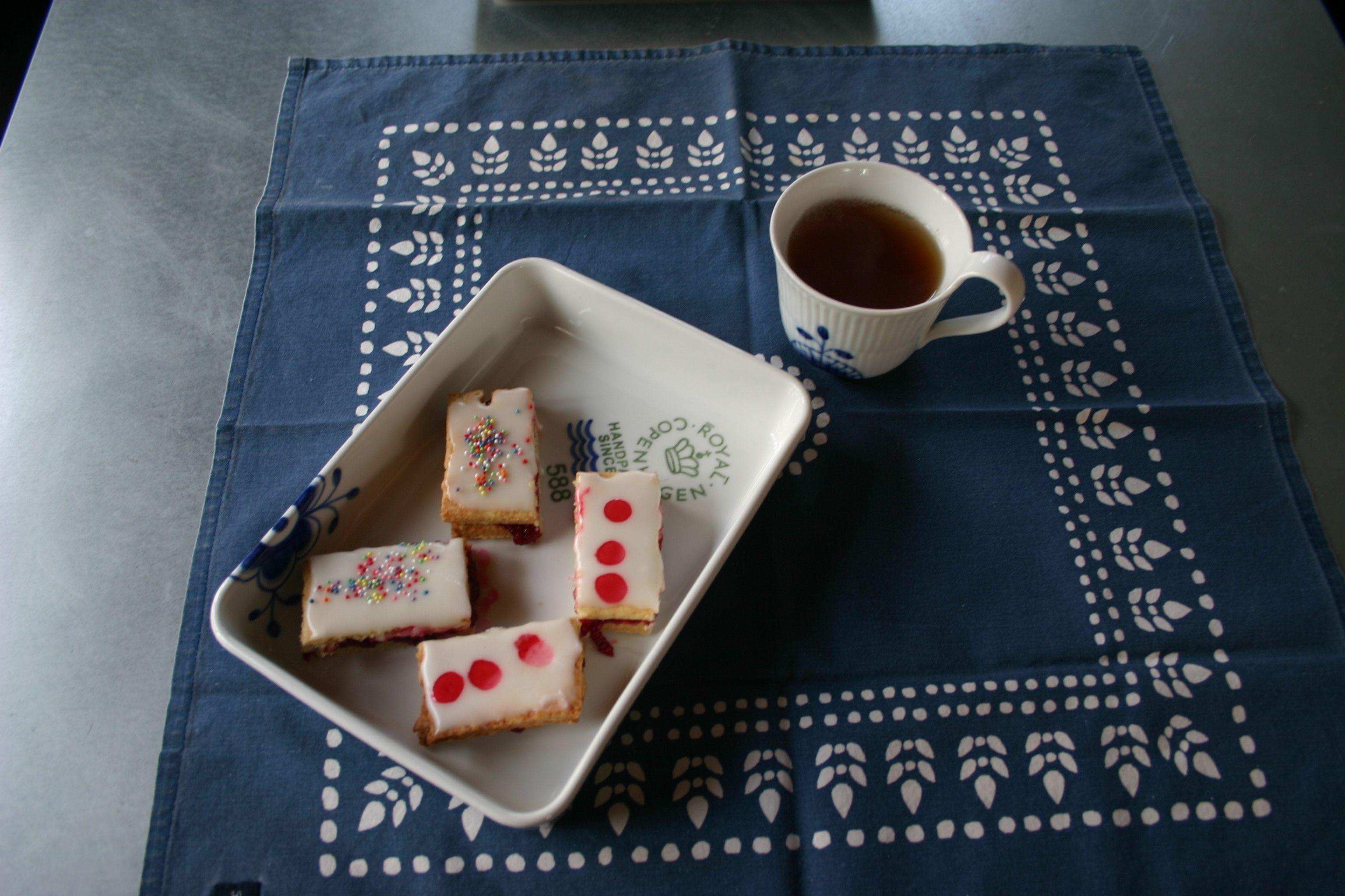 Danish Raspberry Squares