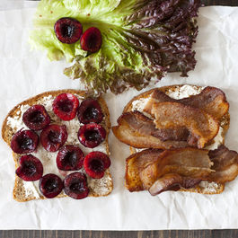 Bacon_lettuce_cherries_chevre_1_ed