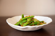 Sugar Snap Peas with Lemon-Chili Breadcrumbs