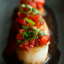 Caramelized Scallops with Strawberry Salsa