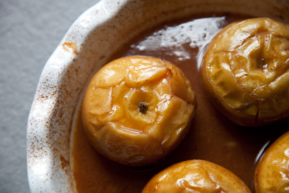 Apples Baked in Cider