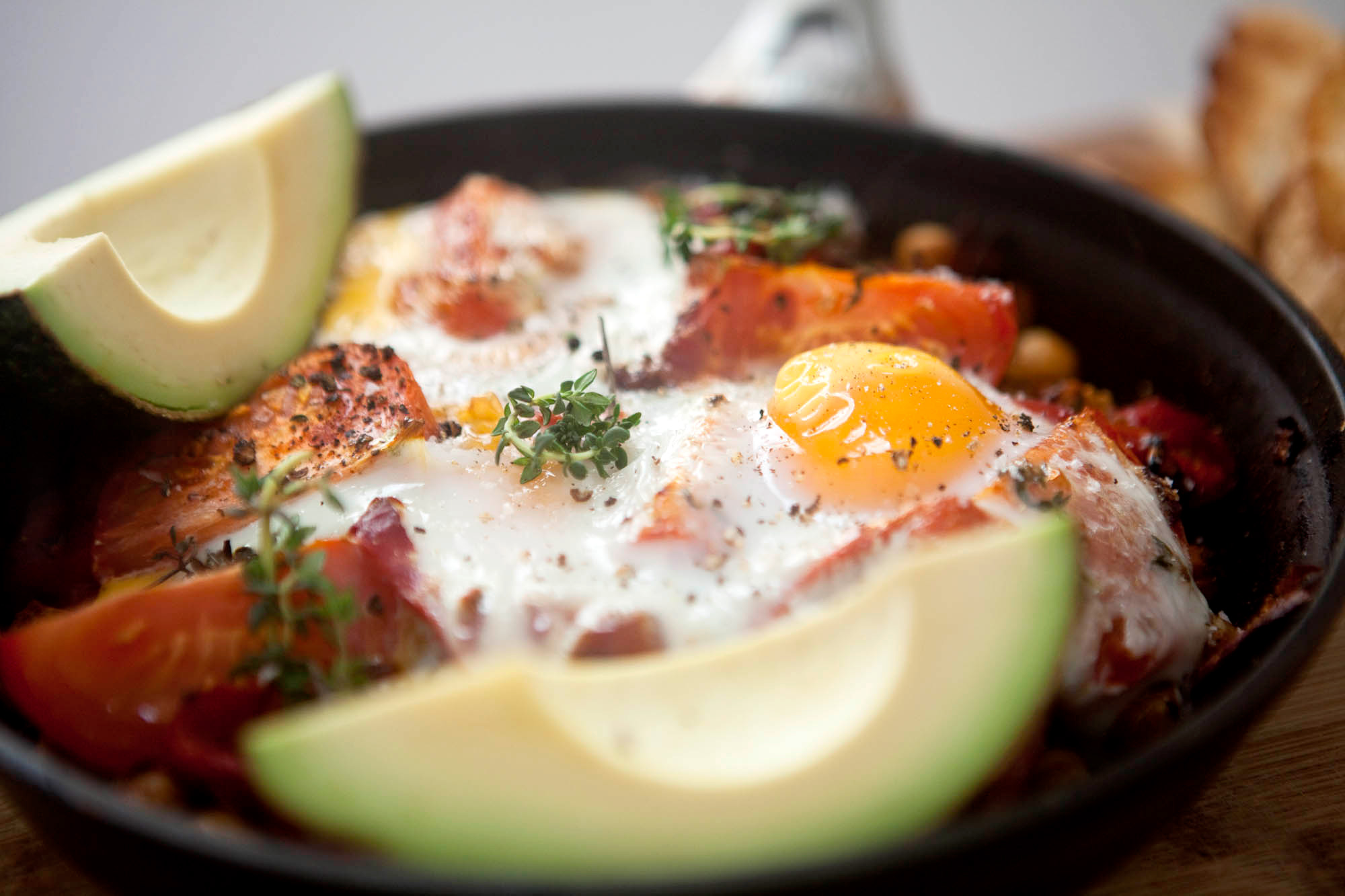 Chickpea, Tomato, and Roasted Red Pepper Skillet Breakfast