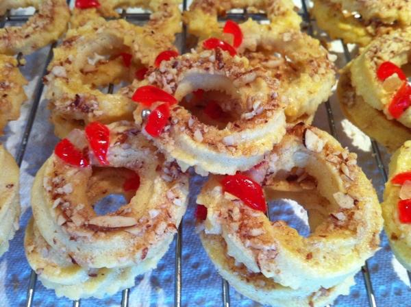 Classic Almond Wreath Cookies