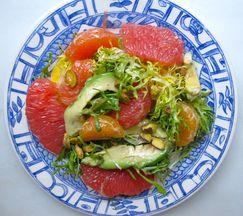 Mixed_citrus_avocado_salad_plate
