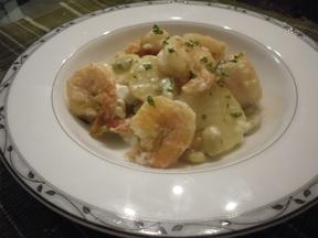 Shrimp_potato_with_garlic_lemon_mayonnaise_sauce