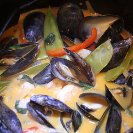 Red_curried_mussels