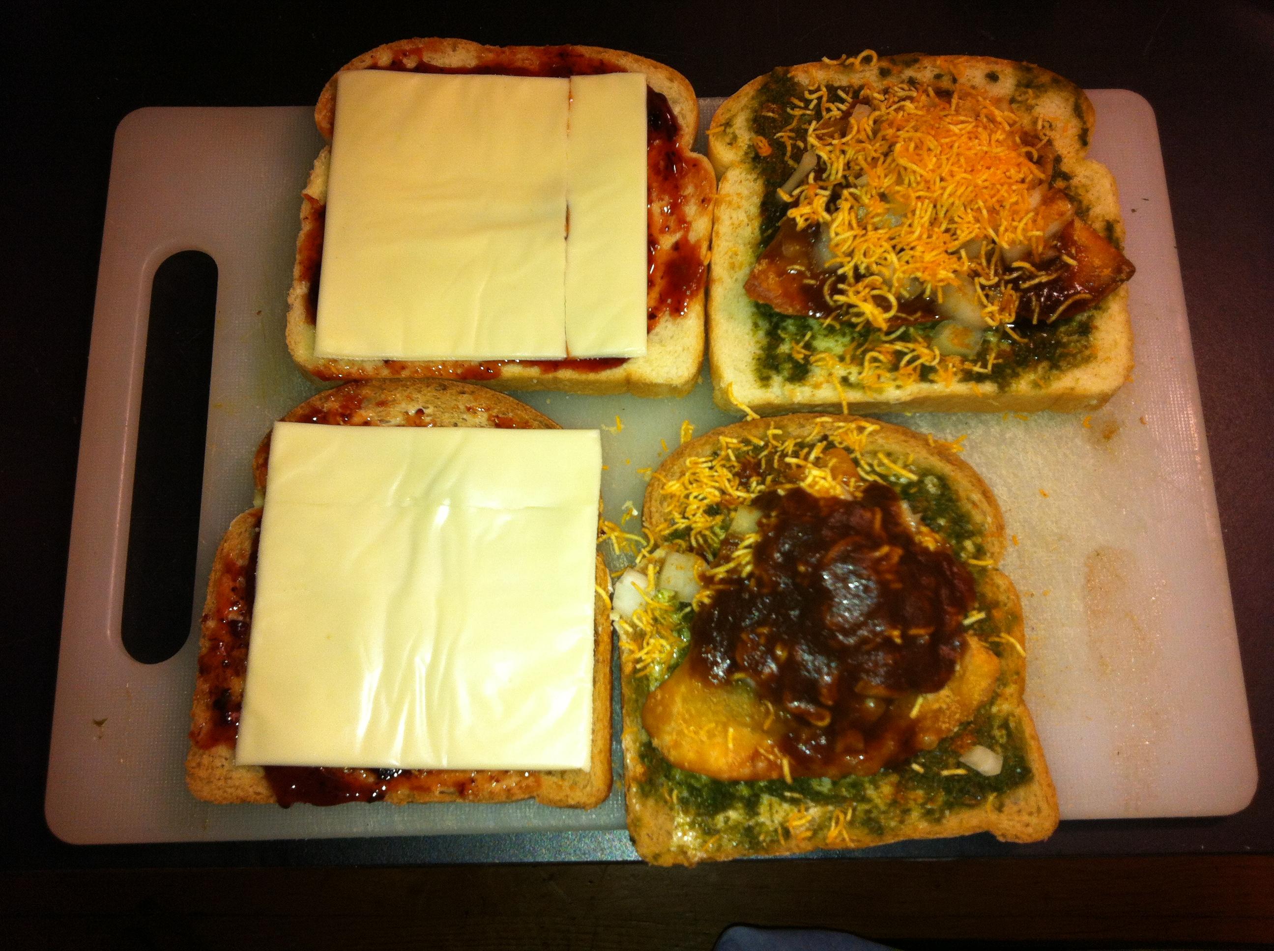 Samosa Sandwich