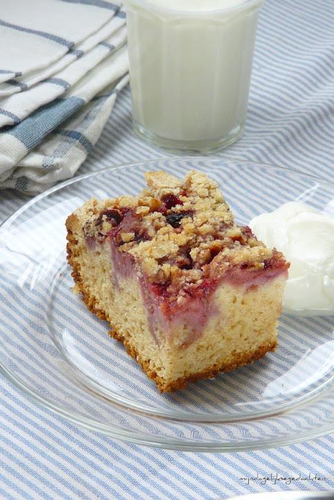 Strawberry Streusel Cake/ lightened up