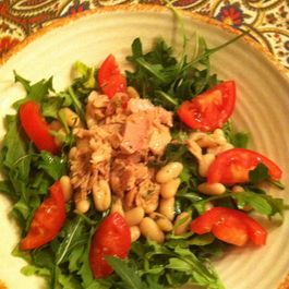 Tuna, Cannellini Bean & Arugula Salad