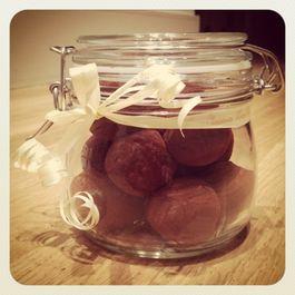 truffle-esque: date and espresso truffles