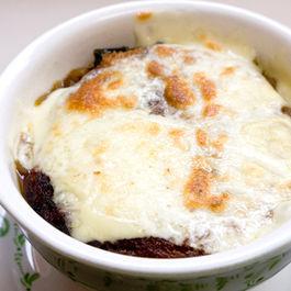 French onion kale soup