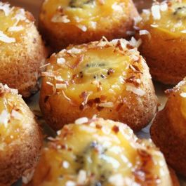 Mini-upside-down-cakes-gold-kiwi-with-orange-and-coconut-530x353