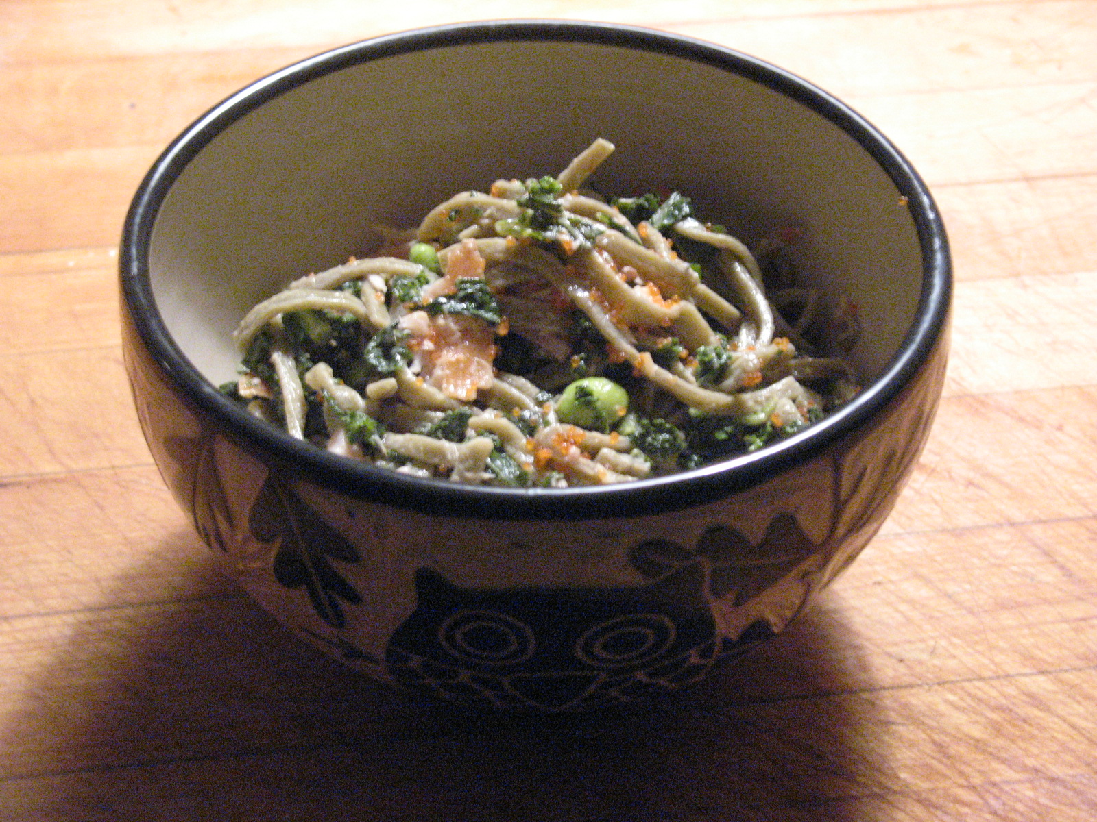Green Tea Noodles with Tea Smoked Salmon, Edamame, Kale and Lemon Sesame Aioli