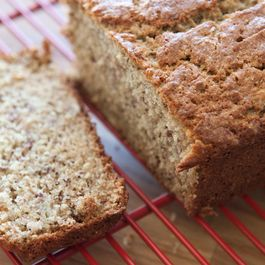 Maple_bourbon_banana_bread_preglaze