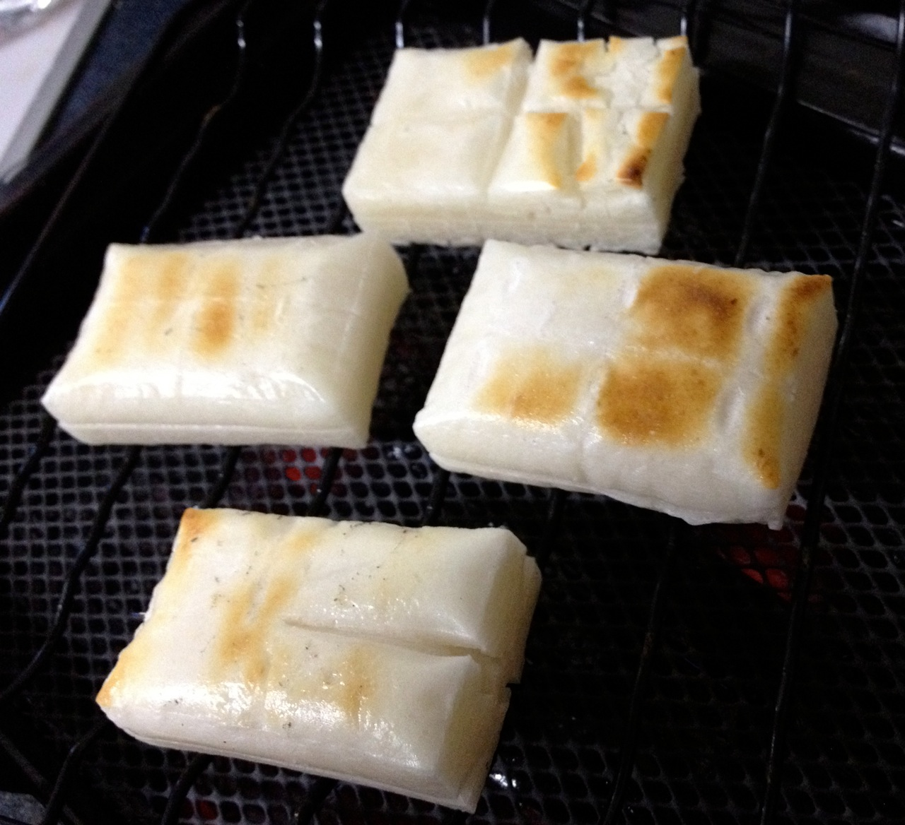 Maple Kinako on Grilled Mochi (Japanese Rice Cakes with Maple Soybean Syrup)