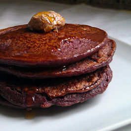 Stack_w_butter_and_syrup_big