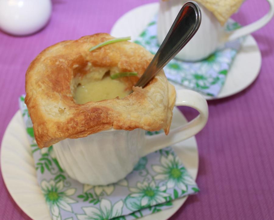 Spring Onion Soup en Croute