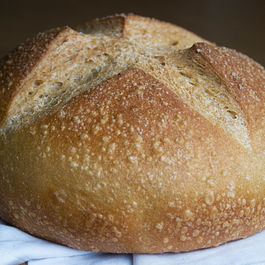 Ww_cast_iron_bread_close-up