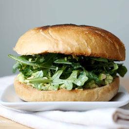 Avocado, pistachio & arugula sandwich