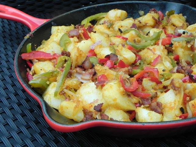 Easy skillet breakfast potatoes