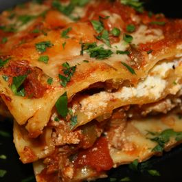 Saucy_lasagna_close-up