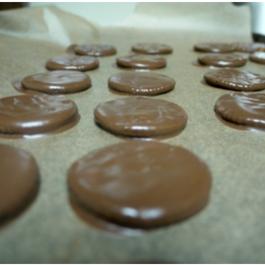 Copycat Recipe: Homemade Thin Mints