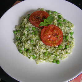 Pea_mint_and_tomato_risotto