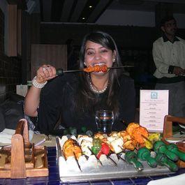 Hariyali Paneer Tikka - Minty Cottage Cheese Skewers !