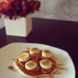 Banana_almond_pancakes