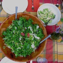SUMMER HOUSE SALAD: ESCAROLE WITH AVOCADO AND GRAPEFRUIT
