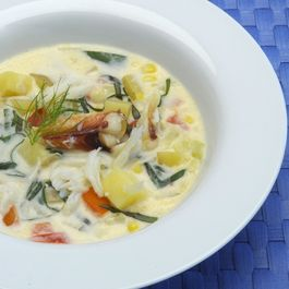 Fresh_corn_dungeness_crab_chowder_from_a_passionate_plate