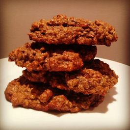 Vegan_dark_chocolate_goji_cookies_