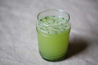 Basil_vodka_gimlet