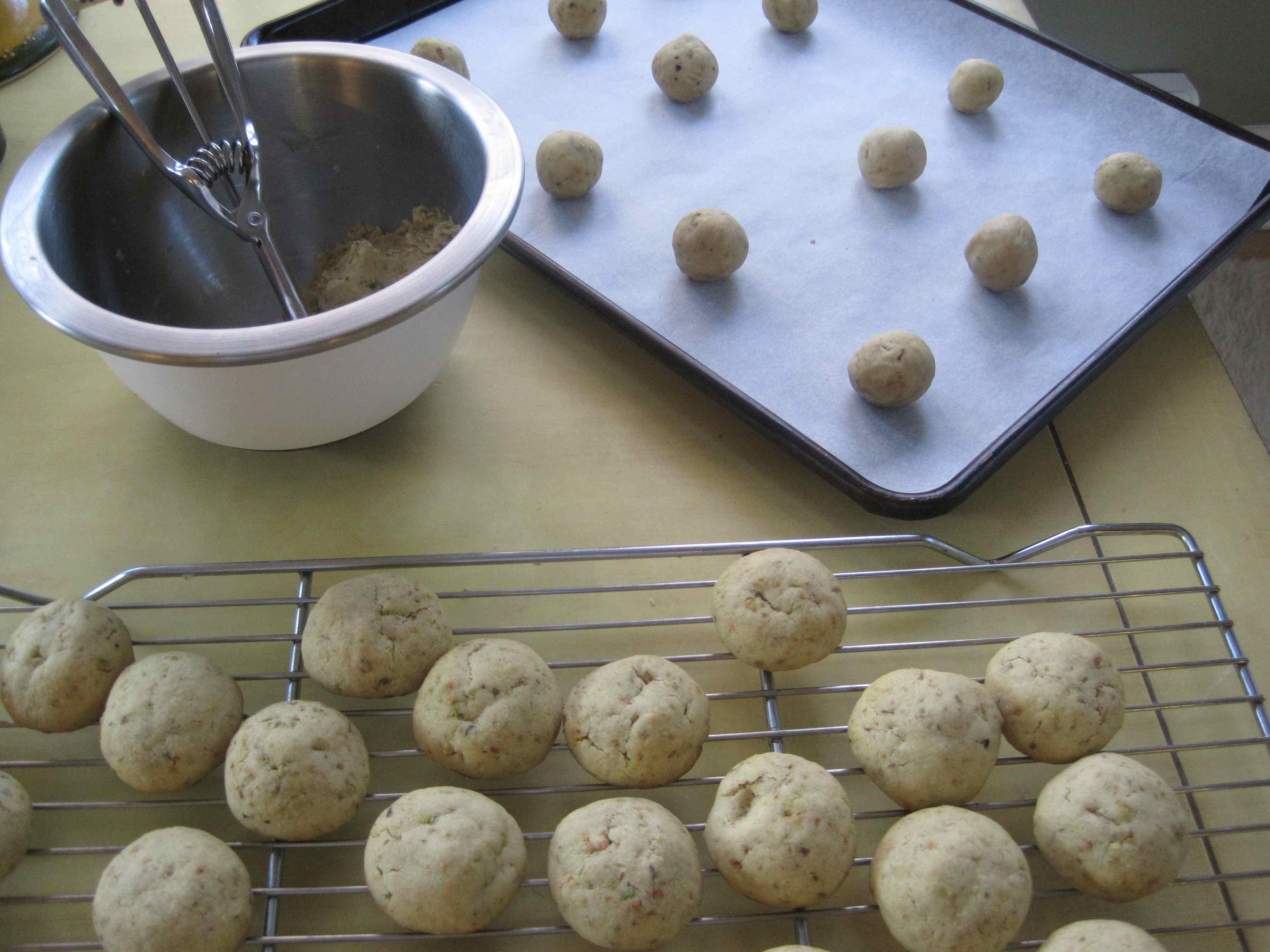 Kaki's Favorite Pistachio Cookies