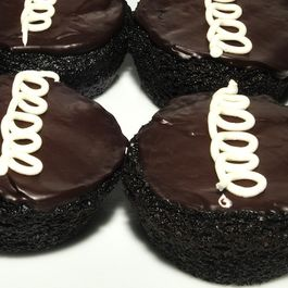 Hostess_cupcakes_from_www.apassionateplate.com