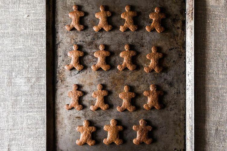 Stress Free Vegan Holiday Gingerbread Cookies