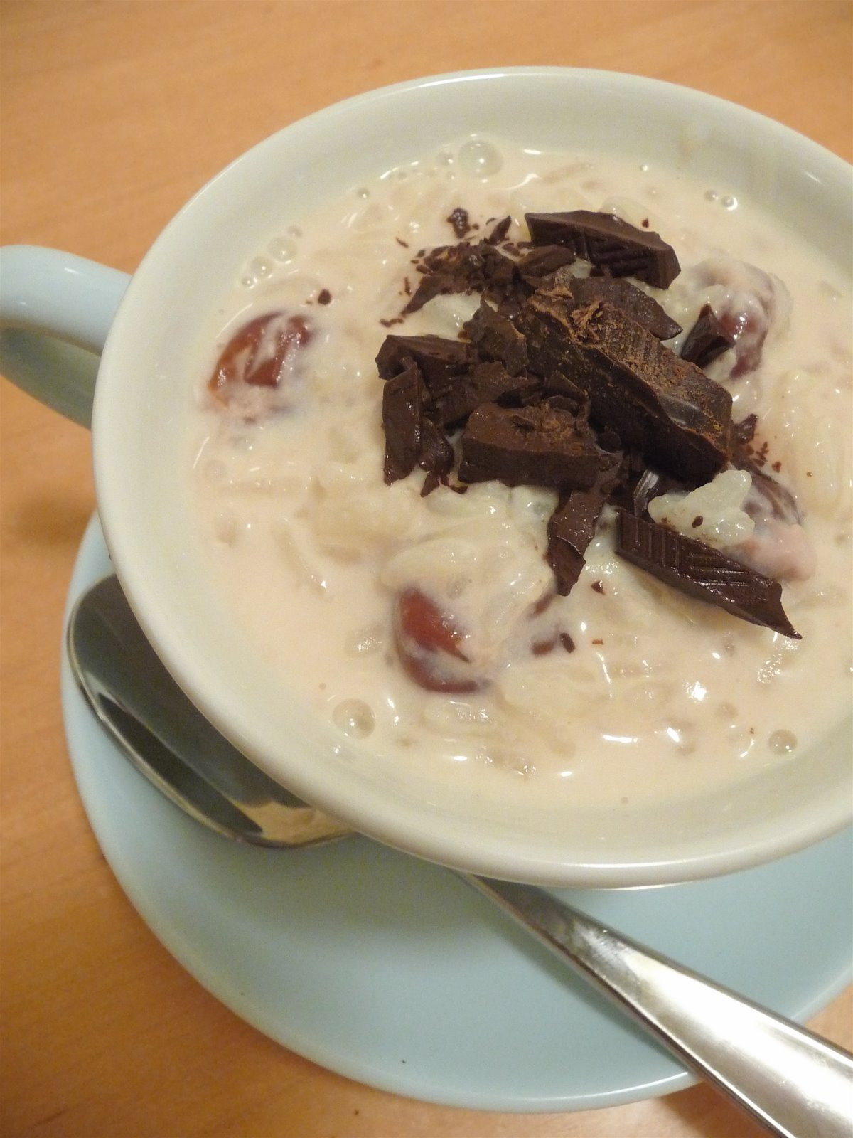 Rice pudding with dried cherries and chocolate