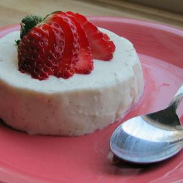 Vanilla Bean Panna Cotta with Balsamic Glazed Strawberries