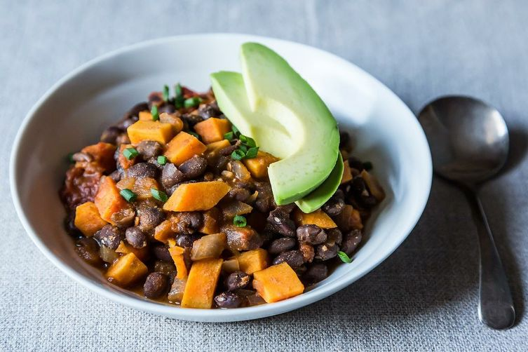 Smoky Black Bean and Sweet Potato Chili