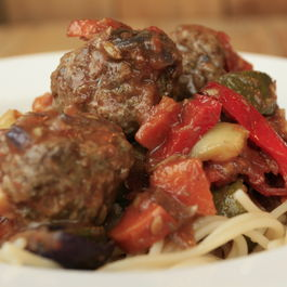 Veg_ragu_with_venison_meatballs