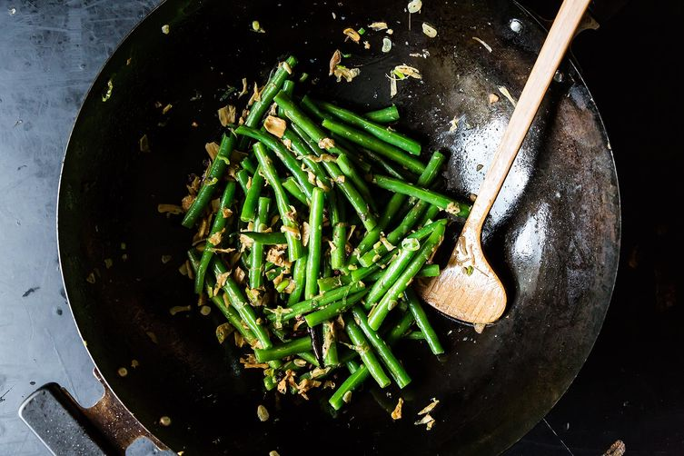 Fuchsia Dunlop's Sichuanese Dry-Fried Green Beans on Food52