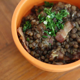 Lentils with bacon and mint