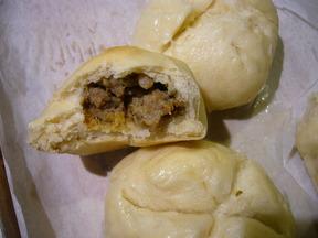 Guac__sausage_fennel_buns_011