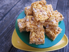 Easy-almond-bars-23