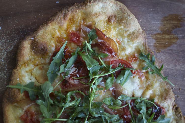 speck arugula pizza