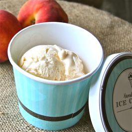 Peaches_and_honey_frozen_yogurt