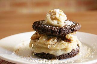 Walnut_coconut_and_chocolate_cookie_ice_cream_sandwich04