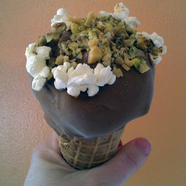 Sundae-ball-game-cone