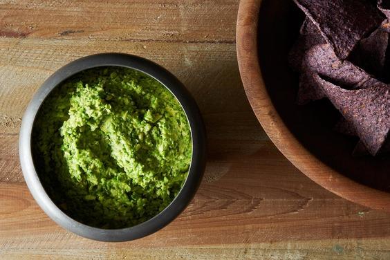 05-28-13-guacamole-peas-004