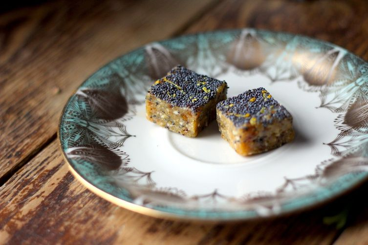 Lemon Poppy Seed Homemade Larabars